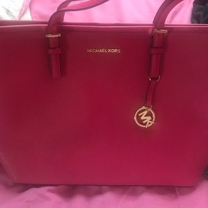 Micheal kors leather carryall purse NEW with tags